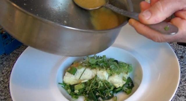 Dos de cabillaud aromatisé aux herbes et curry sans matière grasse