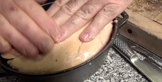 finir-avec-gros-lobe-terrine-de-foie-gras-express