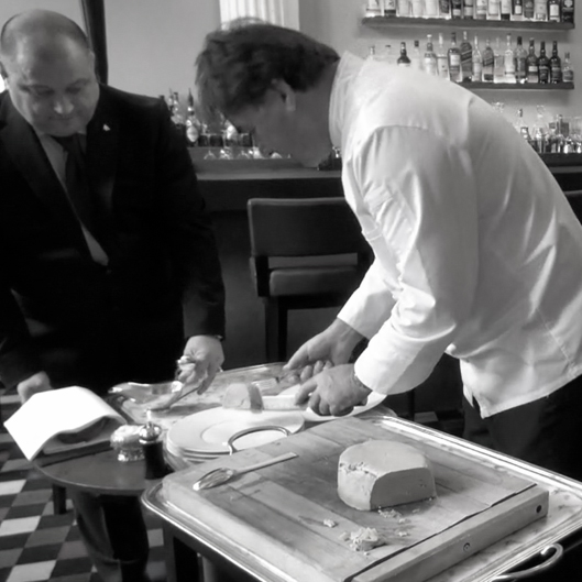 servir-terrine-de-foie-gras-naturel-express