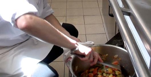 ratatouille-nicoise-au-four-par-maxime-ajouter-tomates-fraiche