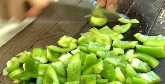 ratatouille-nicoise-au-four-par-maxime-poivrons-verts