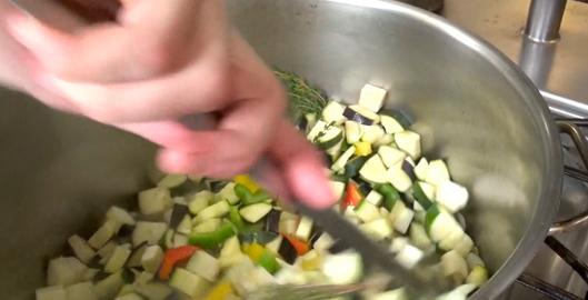 ratatouille-nicoise-au-four-par-maxime-remuer-legumes