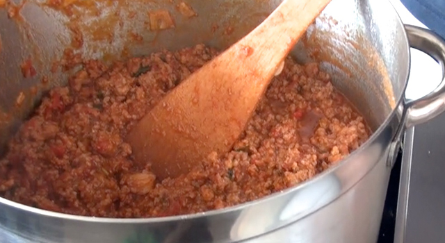 recette-video-cannelloni-farcis-par-vigato-bolognaise