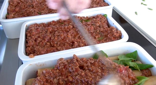 recette-video-cannelloni-farcis-par-vigato-bolognaise2