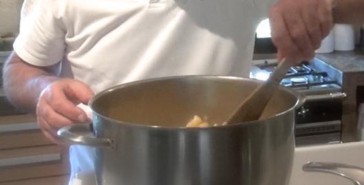 recette-video-salade-pates-legumes-par-vigato-cuisson-pates