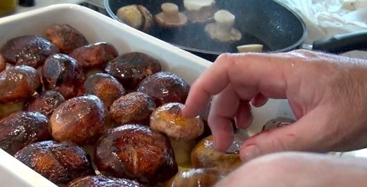 recette-oeufs-cocotte-cepes-par-jp-vigato-10